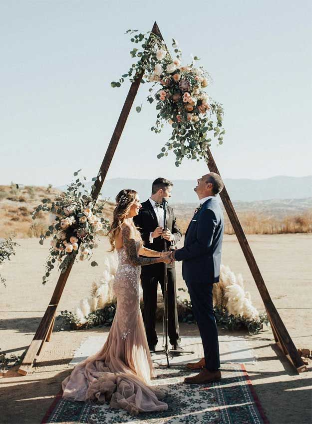 15 Creative Wedding Arch Ideas | Outdoor wedding arch