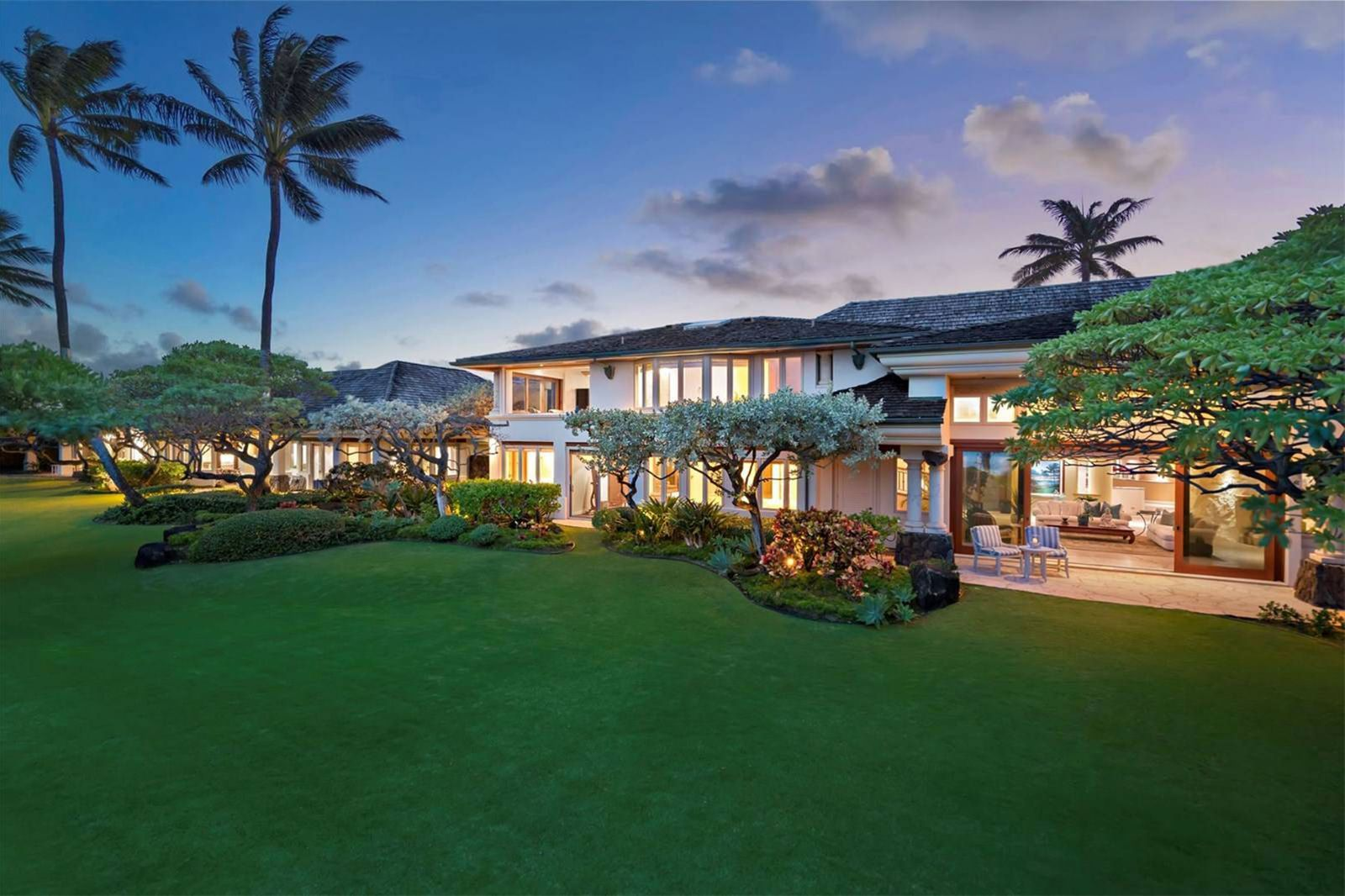 10 Ultimate Waterfront Homes We're Coveting Now is part of Luxury home Hawaii - Discover current luxury waterfront properties from Sotheby's International Realty®
