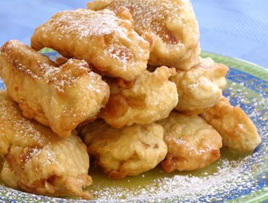 try fried bananas an irresistible thai dessert and snack food recipe fried bananas popular desserts food thai fried bananas goreng pisang