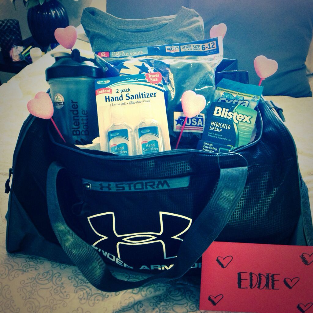 My boyfriend 39 s valentine gift gym bag with his for Presents for boyfriends birthday