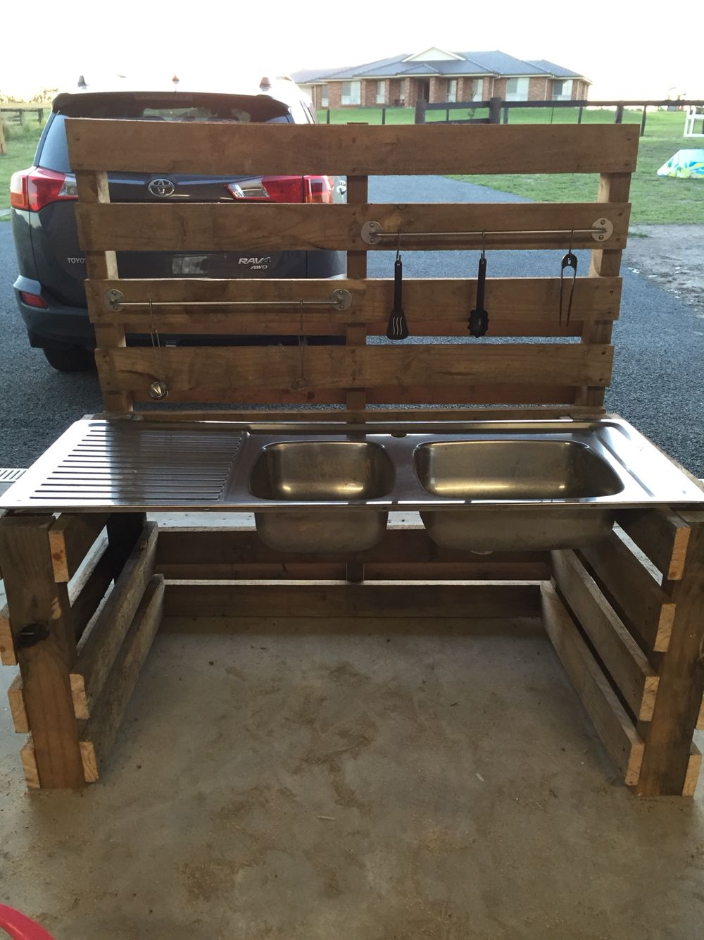 Mud kitchen upcycled pallet mud kitchen pallet kitchen counter with - Outdoor Mud Kitchen Made From Pallets And Super Easy