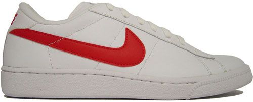 melocotón telegrama movimiento  The Classic Nike with Red Swoosh | Nike, Nike tennis, Sneakers nike