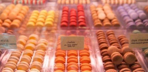Bizar: macarons met Cheetos-smaak » Culy.nl