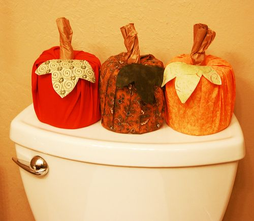 Toliet paper pumpkins!! So awesome!