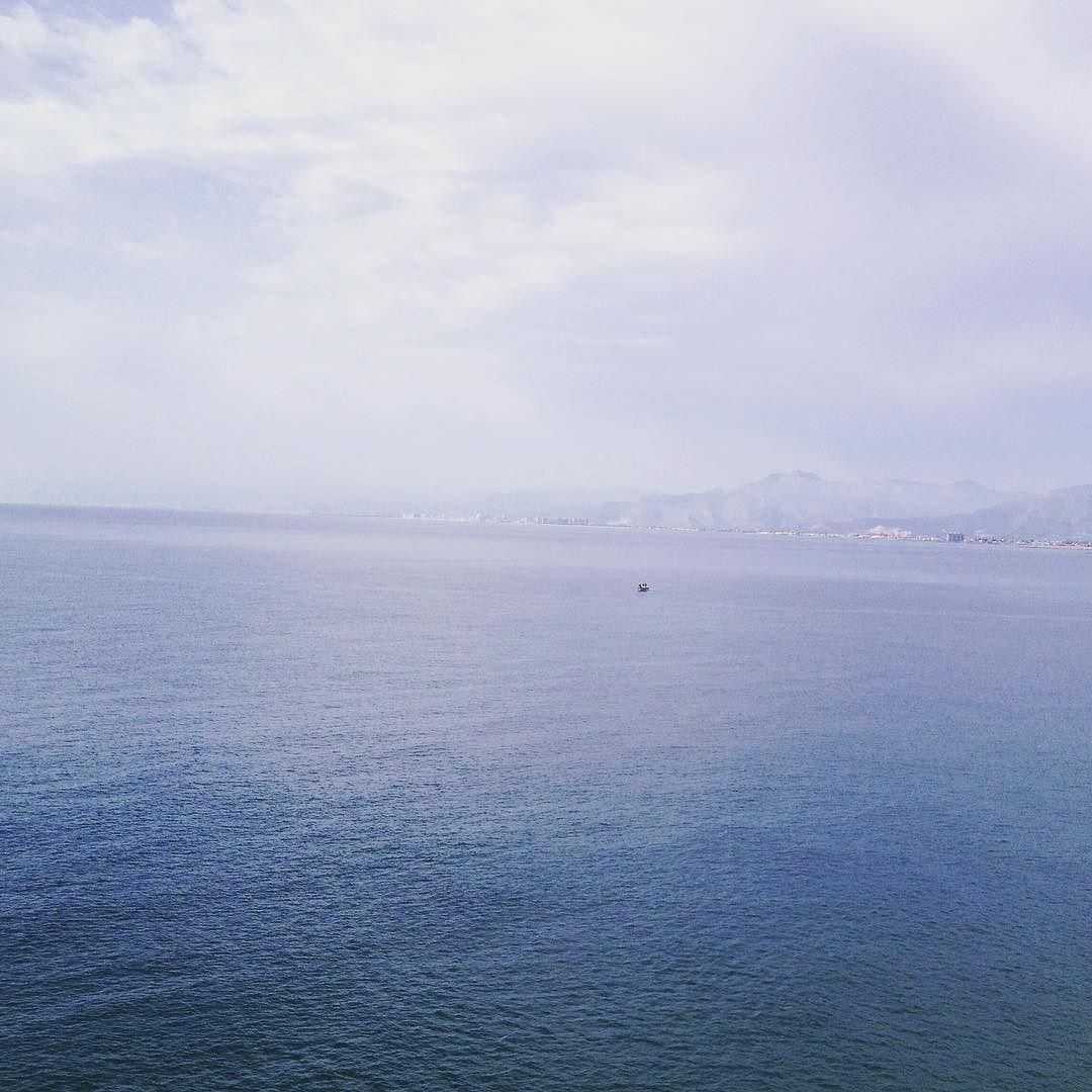 Como Serrat nací en El Mediterráneo!! Buenos días