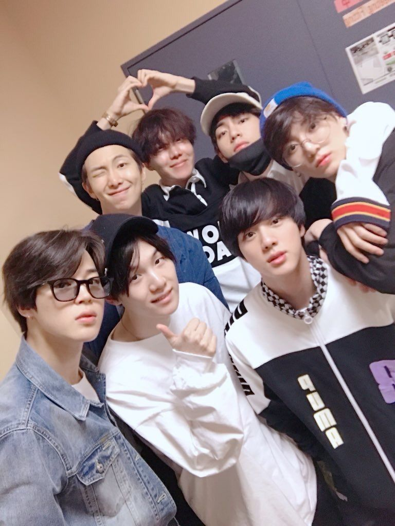 Omg They Re So Cute Bts Bangtan Bangtan Bts Group Bts Pictures