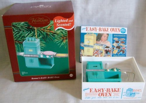 KENNERS-2003-LIGHTED-SCENTED-EASY-BAKe-OVEN-CHRISTMAS-ORNAMENT-- My Skipper  is sure she needs this for christmas! - Kenner's 2003 Lighted & Scented Easy Bake Oven Christmas Ornament