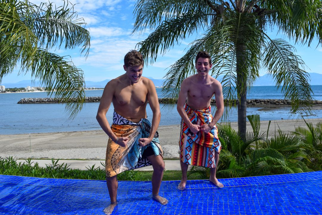 We know they're trying to flex, but we think the biggest flex are those snazzy towels 😎   #ECCOSOPHY #ECCOSOPHYTowel #beachtowel #quickdry #sandfree #travel #travelgear #travellightwithus #instock #backinstock #pooltime #beachday #workingout #showertime #microfiber