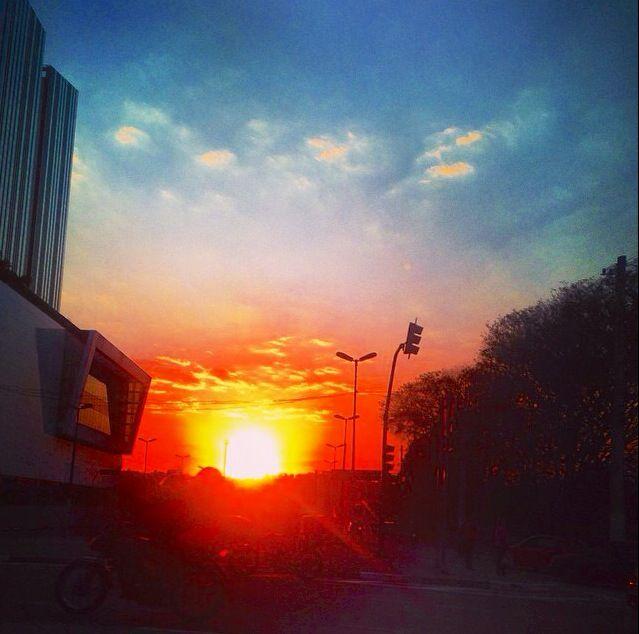 Incrível pôr-do-sol na grande cidade. São Paulo!