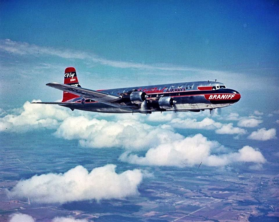 The Douglas DC6 is a pistonpowered airliner and