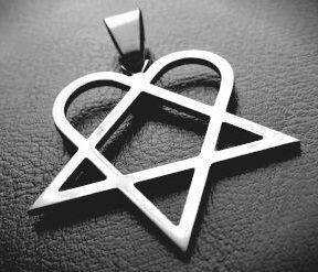 Heartagram pendant i want pinterest pendants fashion heartagram pendant aloadofball Image collections