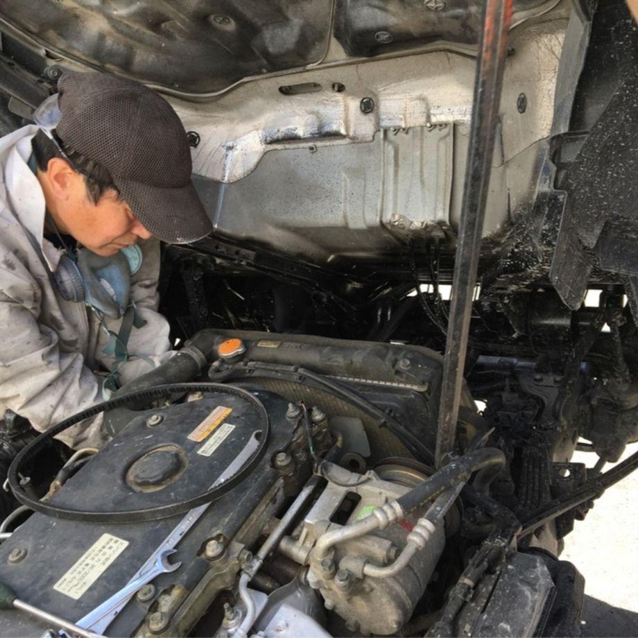 トラックのエアコンベルトを交換しました truck123整備 修理のご紹介 コンプレッサー 修理 エアコン
