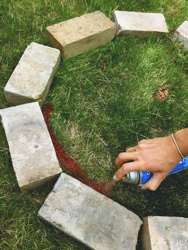 How to Build a Brick Fire Pit in Your Backyard | eHow ...