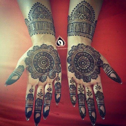 Mehndi Front Design 2019 : Front hand mehndi mandala design