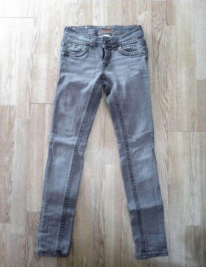 Red Rivet Grey Skinny Jeans $10.00