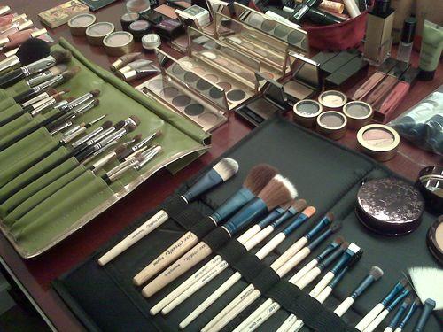 Backstage Makeup Secrets from a Pro - Green Beauty Team #makeuptips #greenbeauty