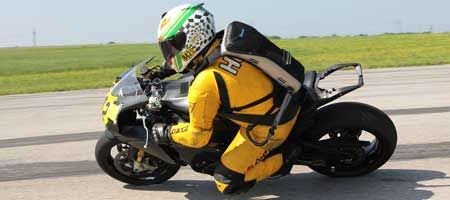 Veskimo Personal Cooling System Used For Motorcycle Racing With