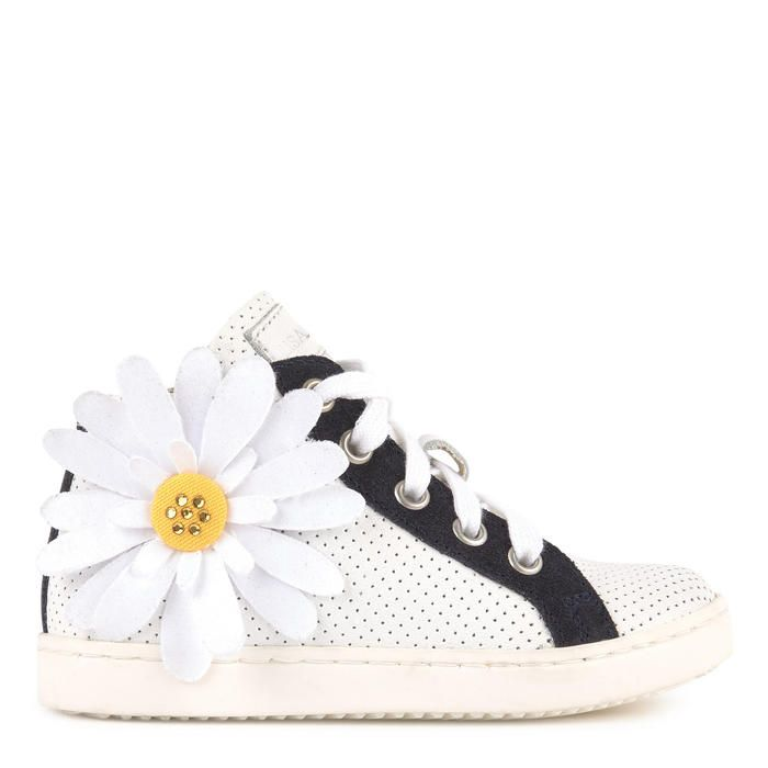 Leather Upper Rubber Soles Soft Upper High Top Shoes Contrasting Patches Reinforced Heels Stiff Soles Shoe Laces To Tie On The Front Zippers On The Sides Perf