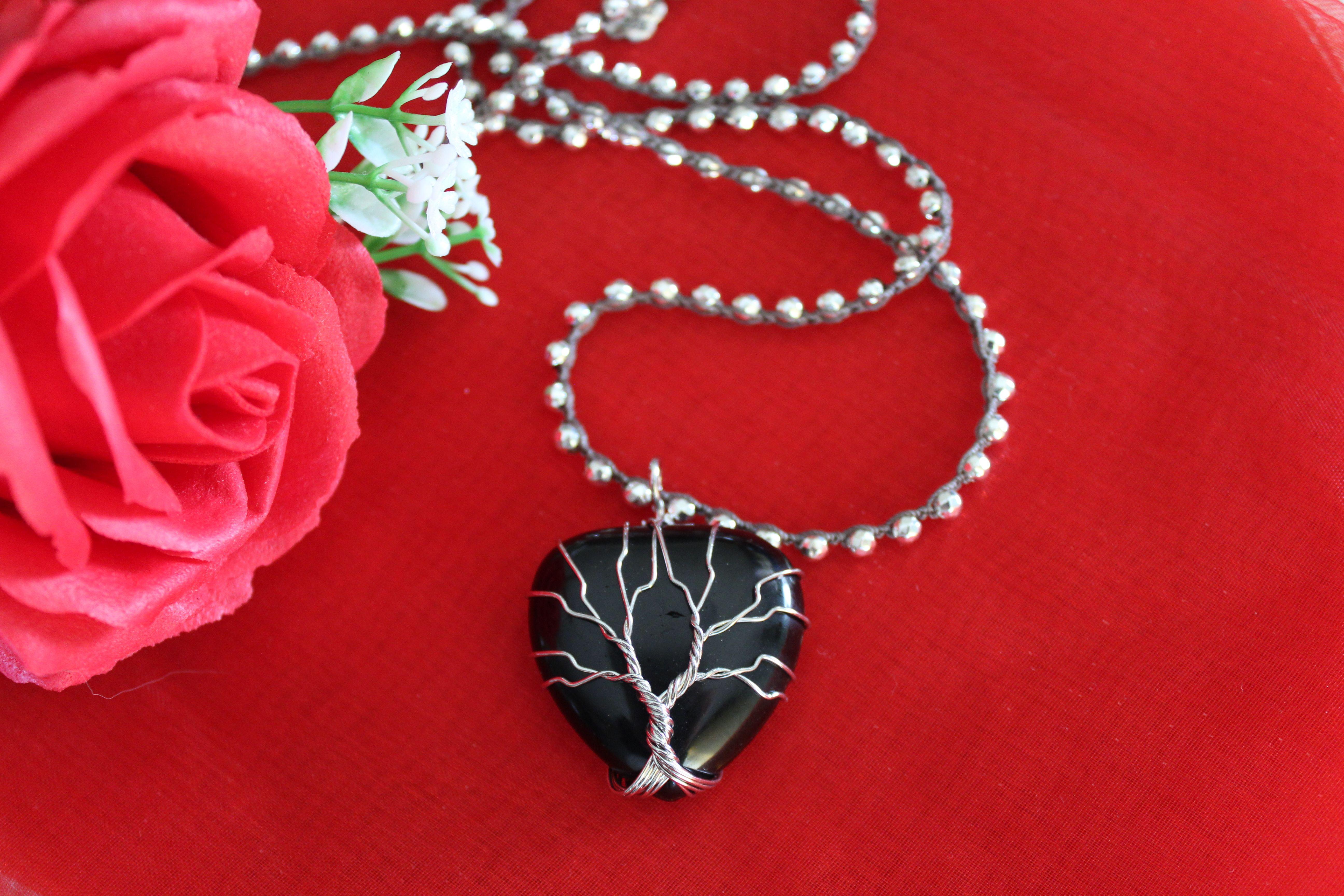 Heart Shaped Jewelry Black Stone Heart Necklace/Tree of