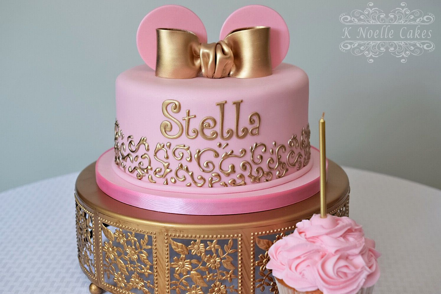 Pink And Gold Minnie Mouse Cake By K Noelle Cakes  Cake