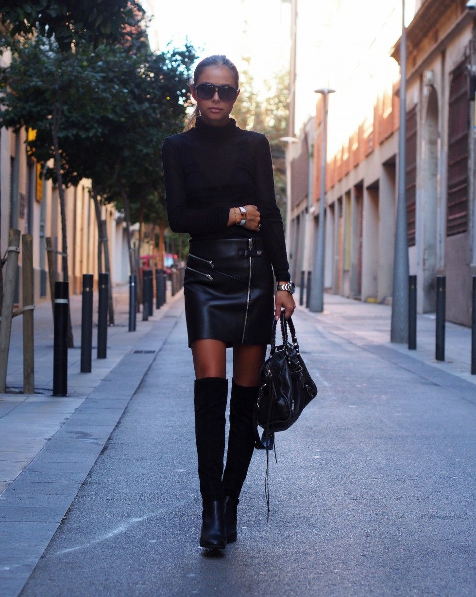 Maria grey sleeveless polo neck - Justthedesign Maria Kragmann Wears A Pair Of Over The Knee Boots With A Leather Mini Skirt And A Turtle Neck Top The Ultimate Rocker Look