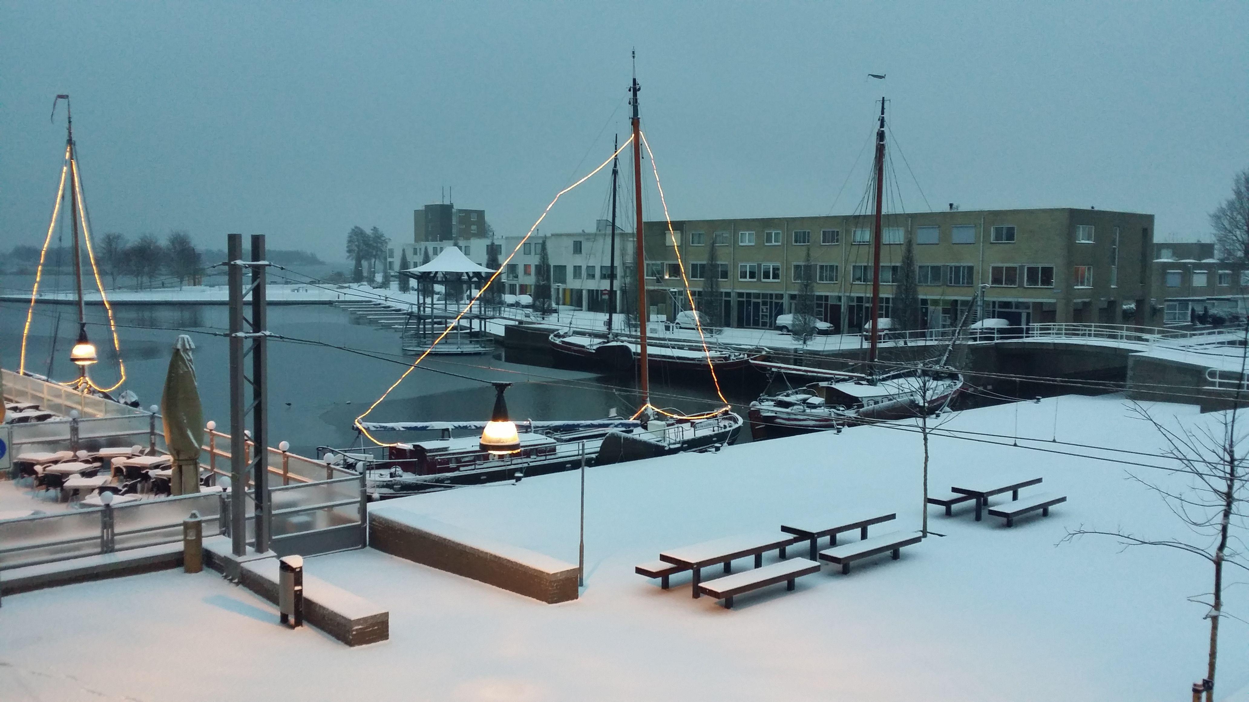 Een winterse impressie uit de haven van Zeewolde.