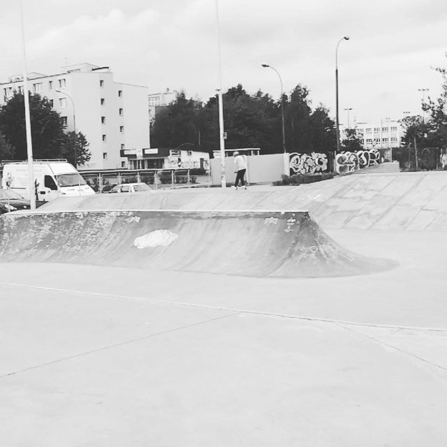 Instagram #skateboarding video by @kaaarolak - #skate #skateboarding #indie #piasecznoskatepark @perzyniok. Support your local skate shop: SkateboardCity.co