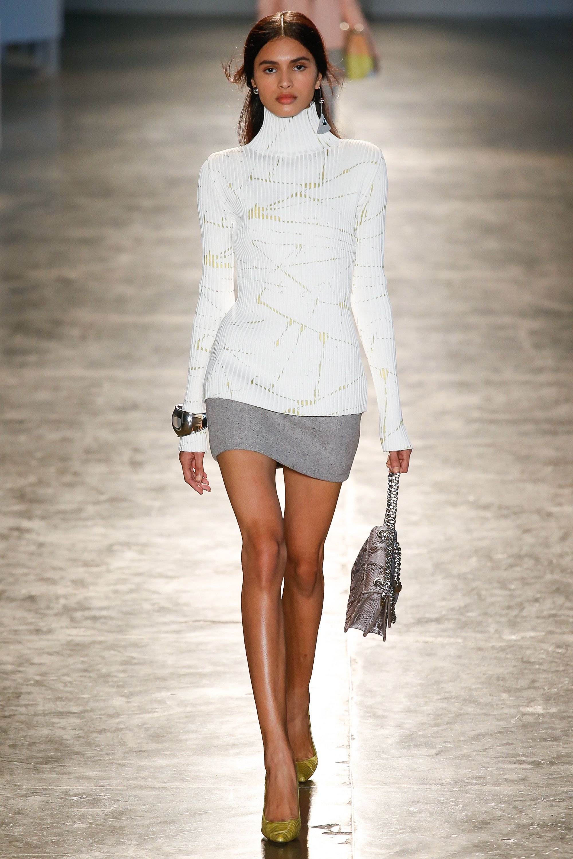 White Long Sleeve Turtleneck Sweater Top and Grey Skirt by Animale São  Paulo Fall 2016 Collection Photos - Vogue a6d5bce3b