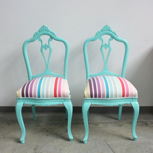 Sillas color turquesa y tapiceroa de rayas | Shabby Vintage ...