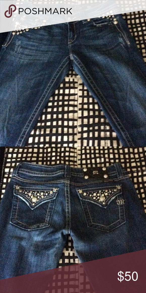 Bling pockets MissMe Jeans Bling details on front and back pockets Size 28 True to Size inseam 31 1/2 Miss Me Jeans Boot Cut