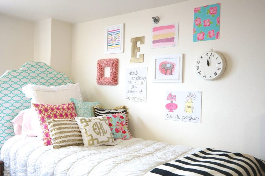 Dorm room bedding and decor we this College dorm wall decor