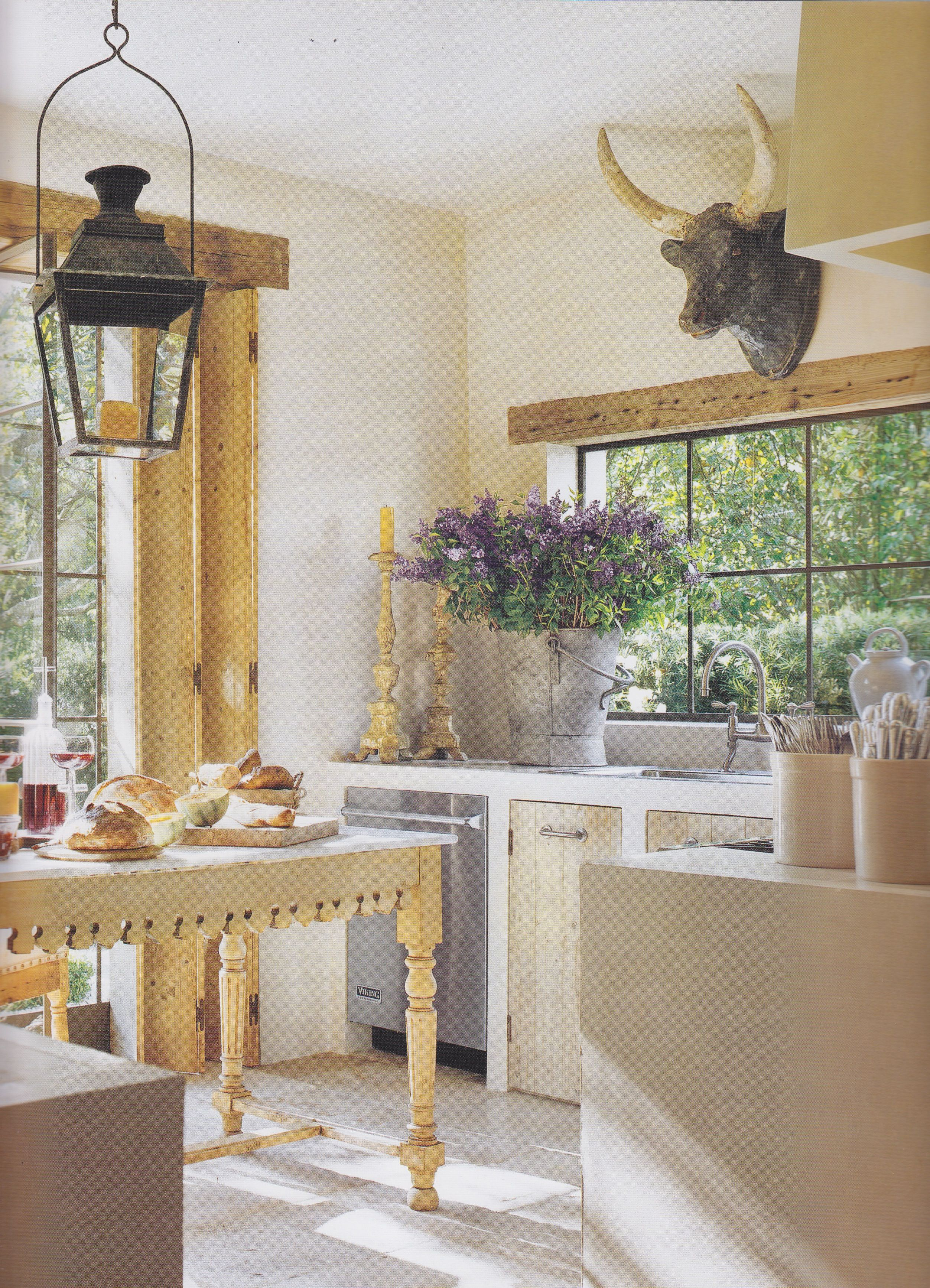 window trim just over window reclaimed wood in 2019 french farmhouse decor kitchen trends on kitchen interior with window id=73874
