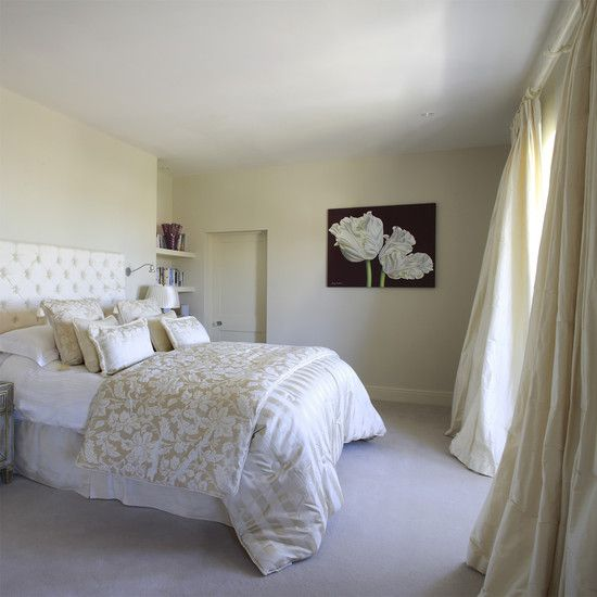 Comely Light Cream Bedroom Ideas Also Elegant King Size Bed With And White Fl Pattern Quilt Bisque Curtains Color Gray Carpet Wall
