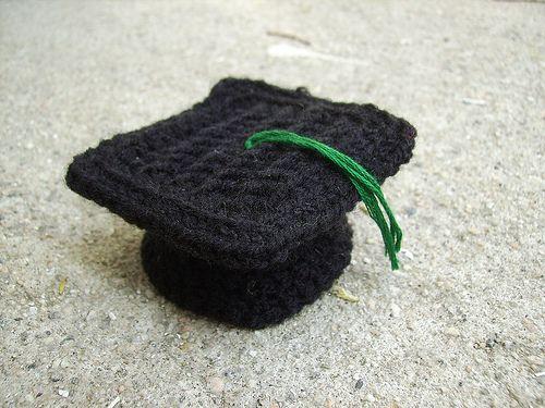 Crocheted Graduation Cap  c2917547f57