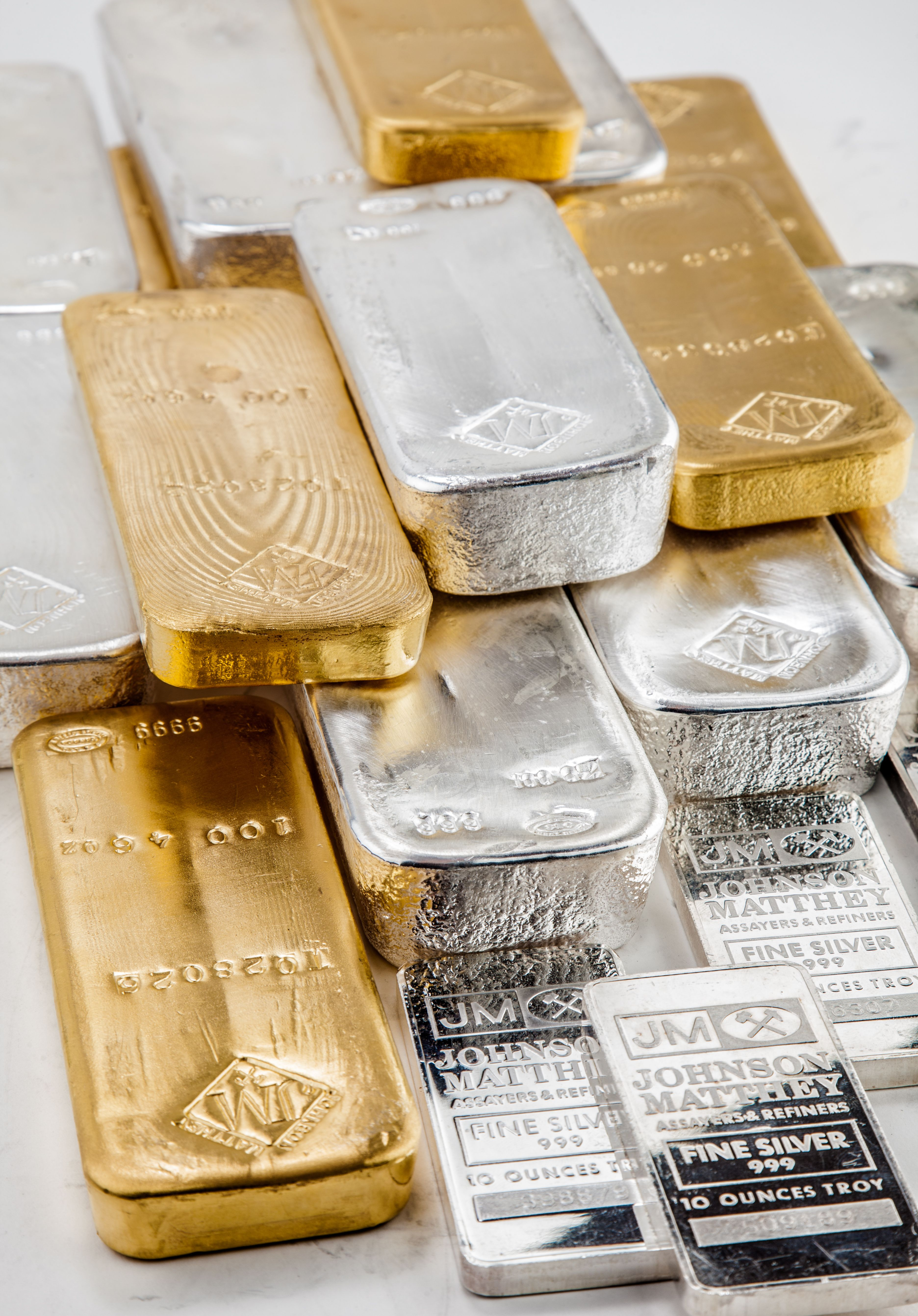 Gold and silver gain after preQE smackdown in prices by