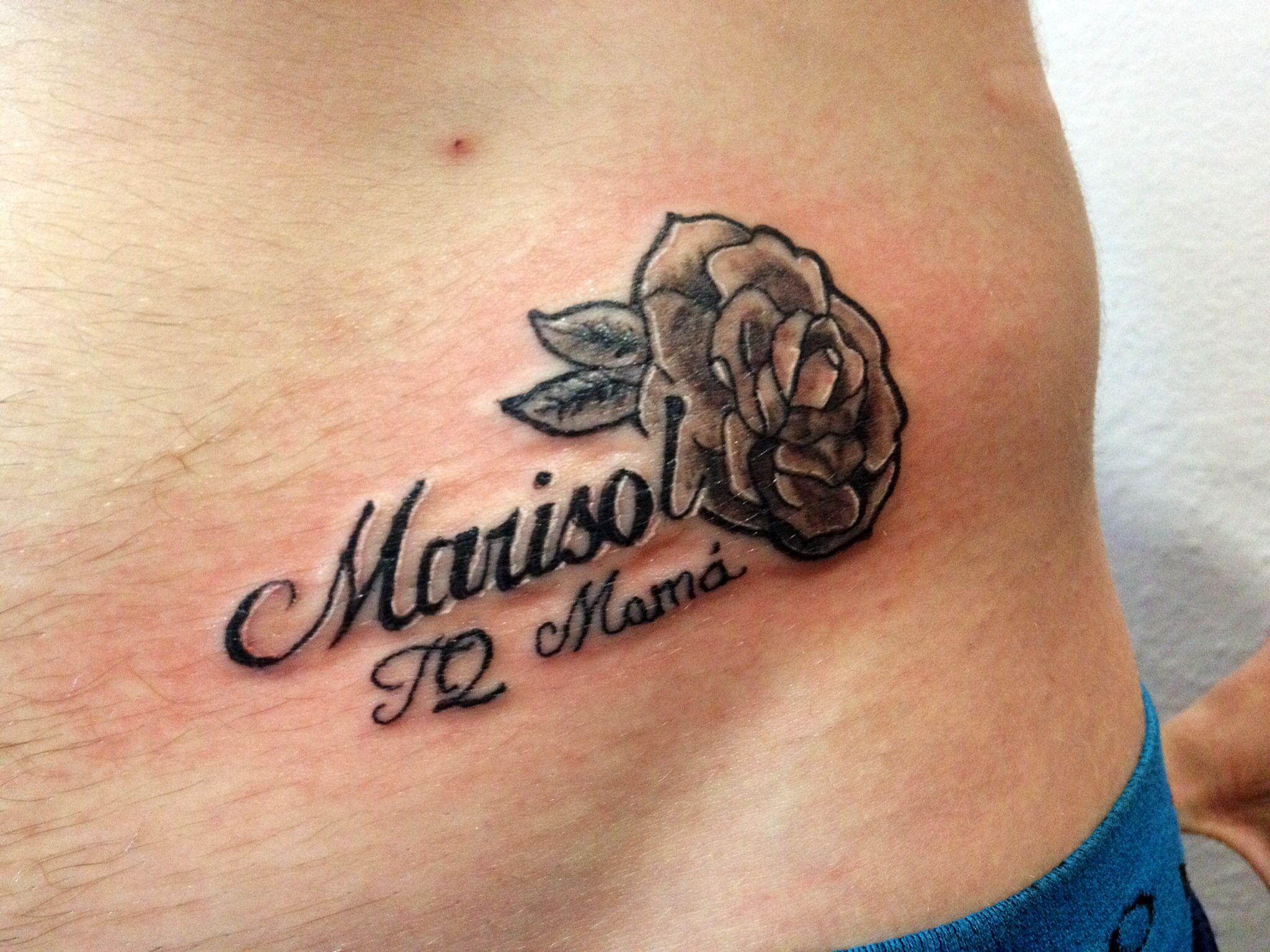 Tattoo Name Lettering Rose Marisol Tatuaje Rosa Con Nombre Tatuajes De Nombres Tatuaje De Nombre