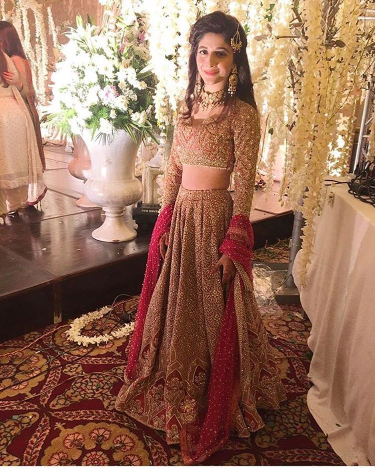 #MawraHocane burning it ✨ in @farazmanan at #UrwaFarhan's Wedding #HappeningNow!! #ModernPakistaniElites