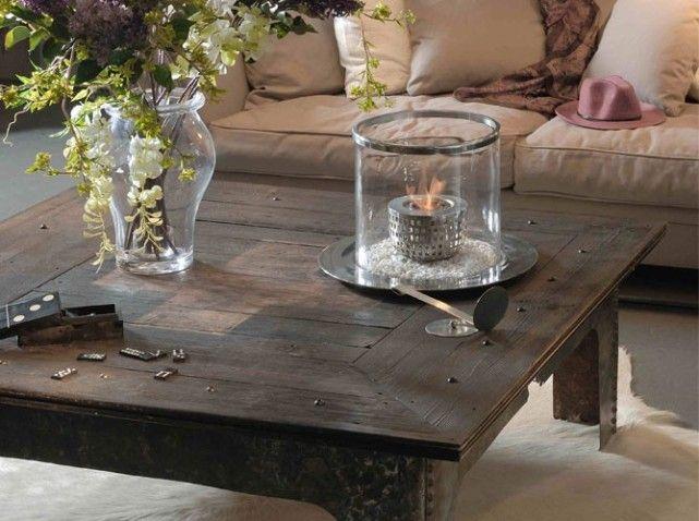 Table basse en bois patiné