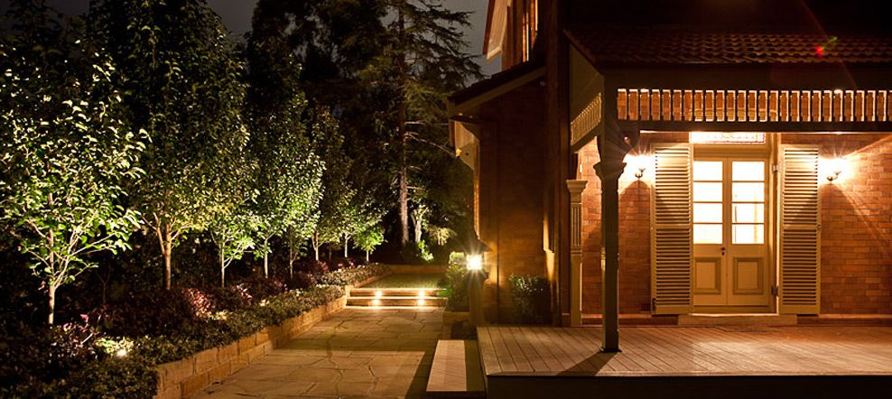 Gardens at night professional lightscaping garden lighting landscape lighting megabay lighting