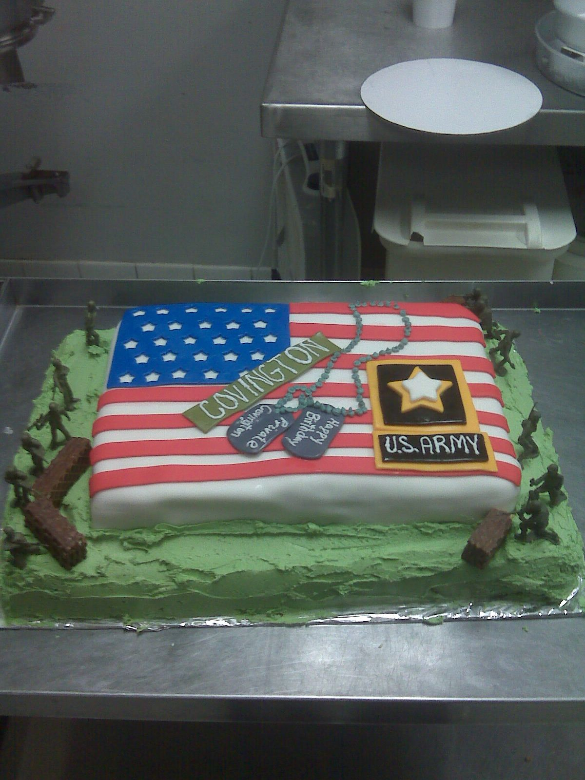 army/birthday cake I made for my friend cakes and