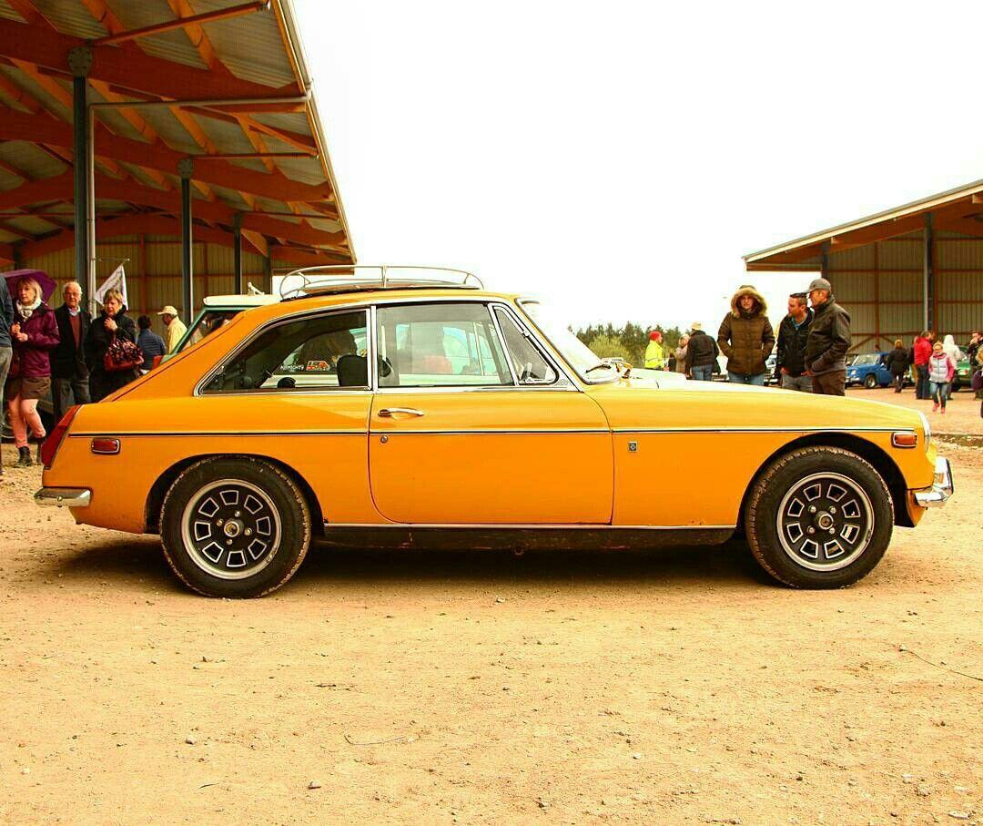 MGB GT 1970 Classic sports cars