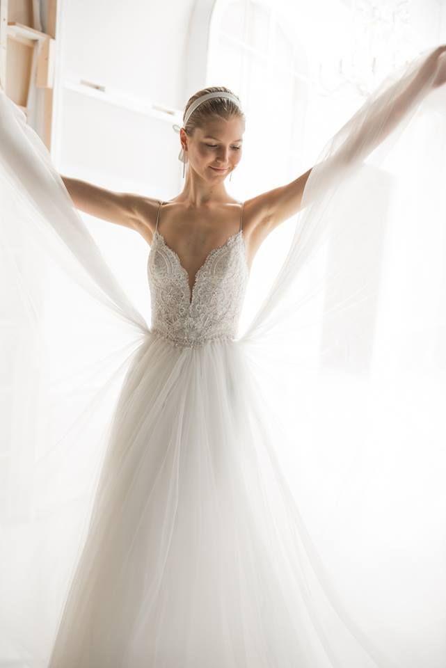 Rosa Clará 2018 runway - wedding dresses