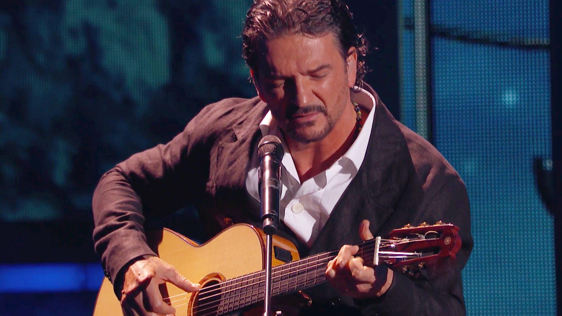 """Escucha cantando a Ricardo Arjona su nuevo tema """"Puente"""", tras ganarse el Premio a la Excelencia Musical de Premio lo Nuestro 2015."""