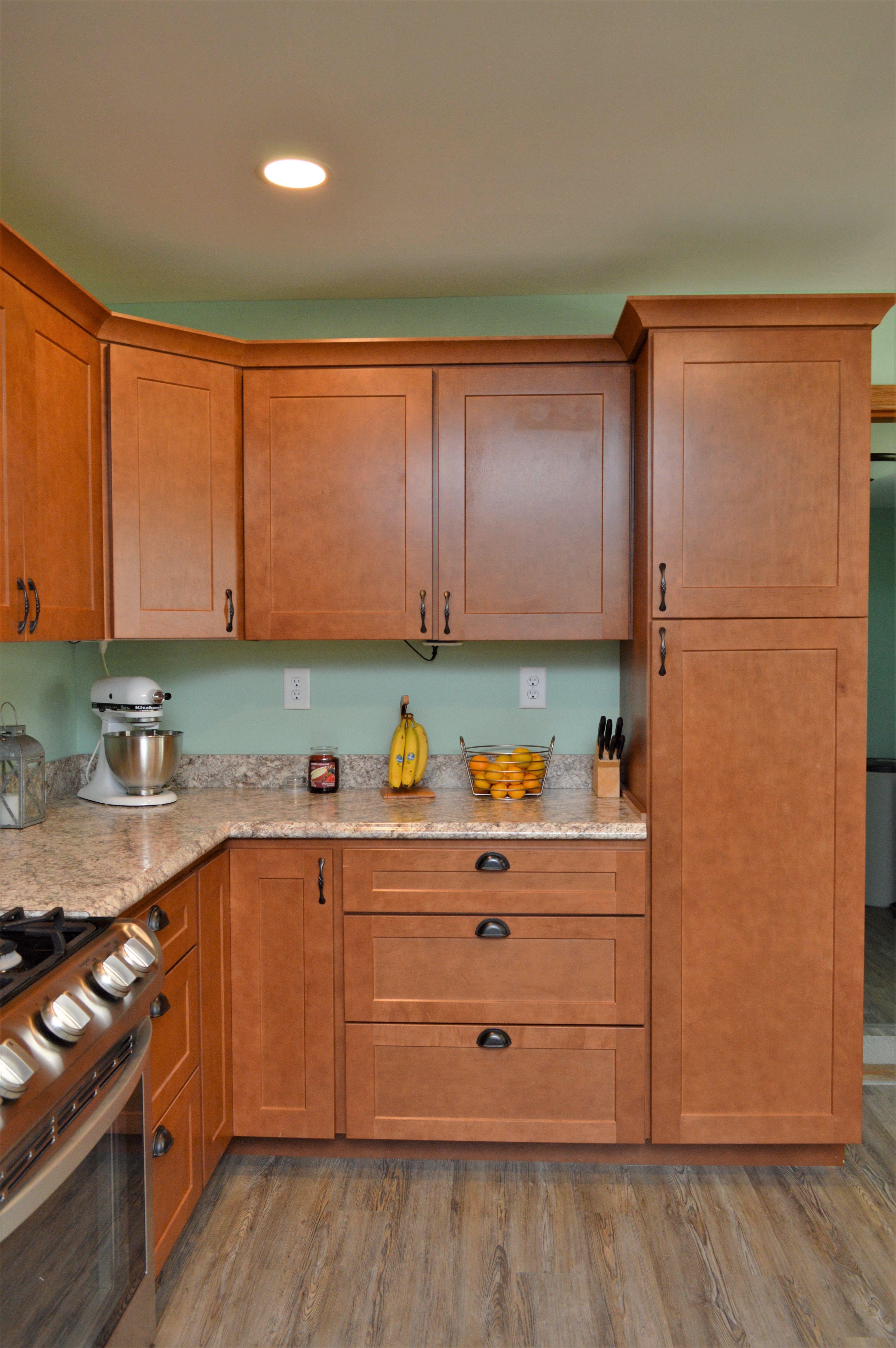 Bailey's Cabinets, BaileyTown USA Select, Maple, Autumn finish ...