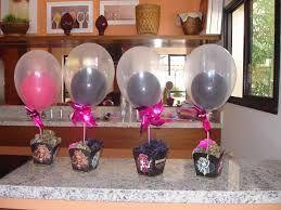 Resultado de imagem para enfeites de mesa com balões
