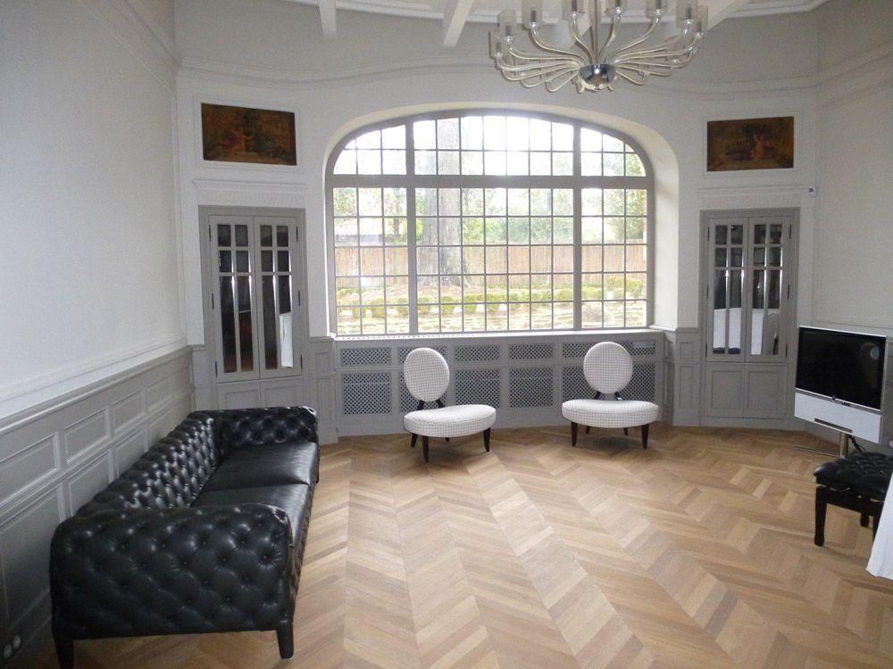 parquet chevron et boiseries grises hardwood floors en. Black Bedroom Furniture Sets. Home Design Ideas