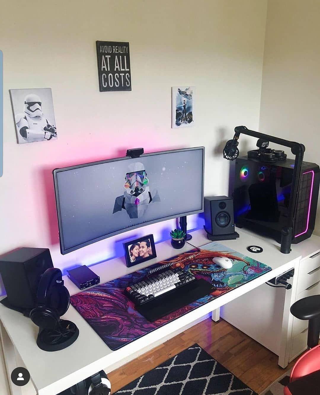 Crazy Geek Setup Gaming Gamer Gaming Pc Pc Gaming Pc Gamer Bureau De Jeu Design De Salle De Jeux Decoration Salle De Jeux