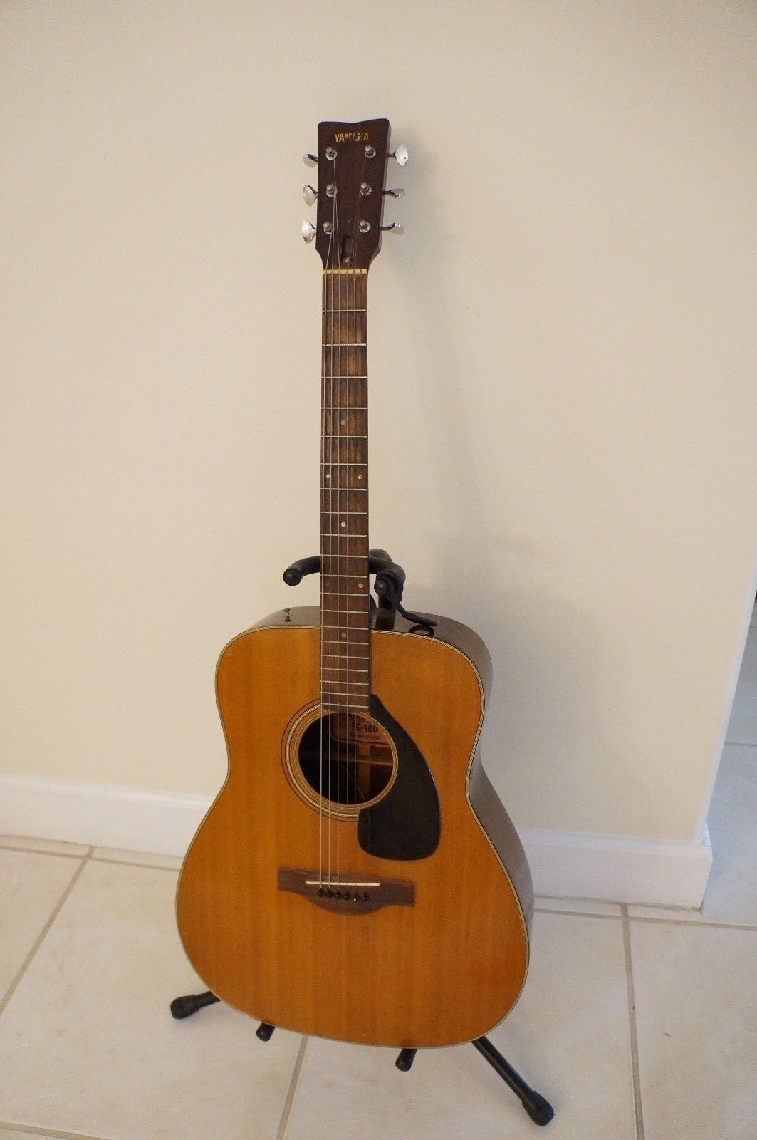 Guitar Vintage Yamaha Fg 180 Red Label Nippon Gakki Acoustic Guitar Made In Japan Please Retweet Acoustic Guitar Yamaha Fg Vintage Guitars