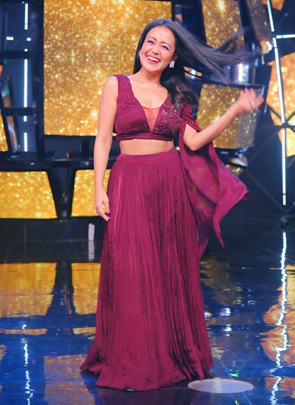 Pin by ℑlma 𝔖aiyad on Singers in 2020 Backless dress
