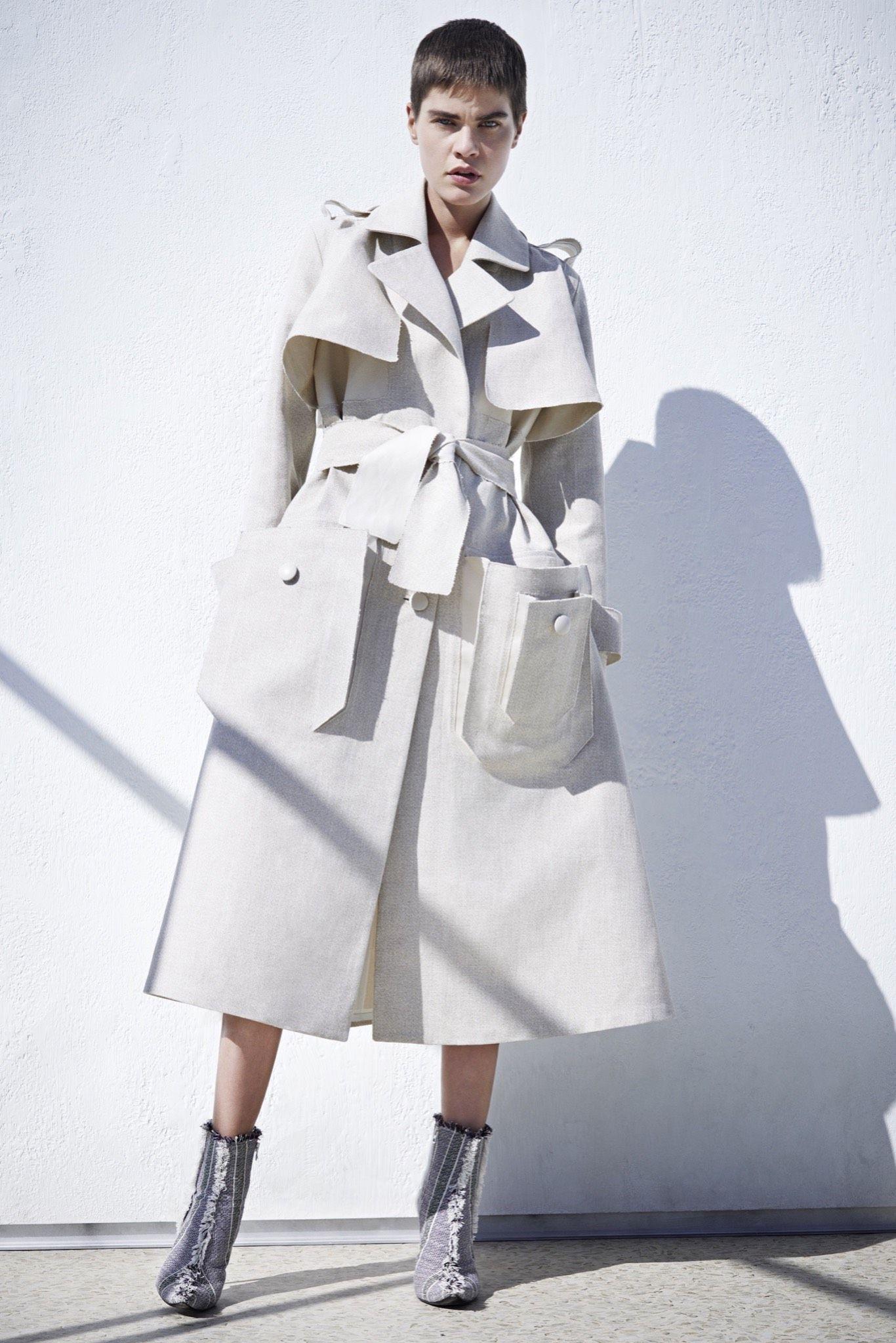 White Trenchcoat |Preloved Fashion ♥ Catchys